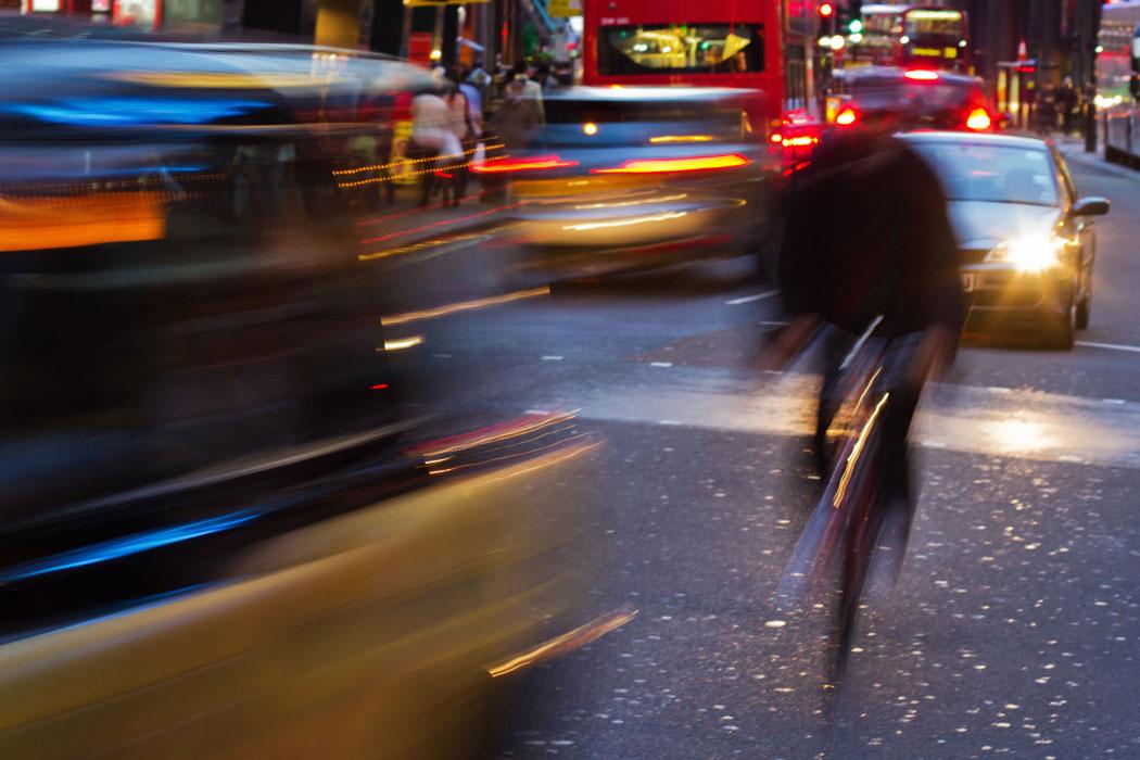 cyclist_in_traffic